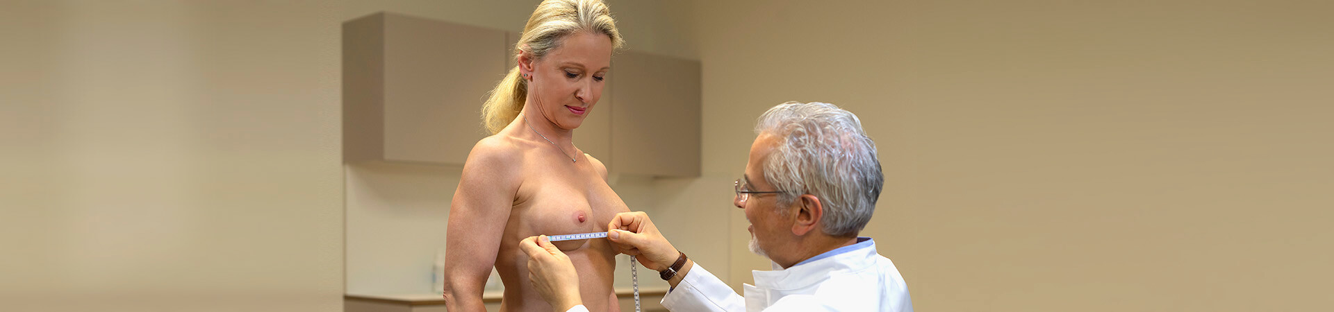 Bruststraffung in Frankfurt bei Dr. Deb, beauteous breast